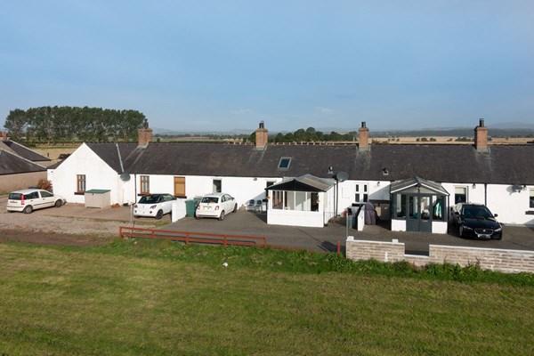 6 Castleton Cottages Eassie  Glamis