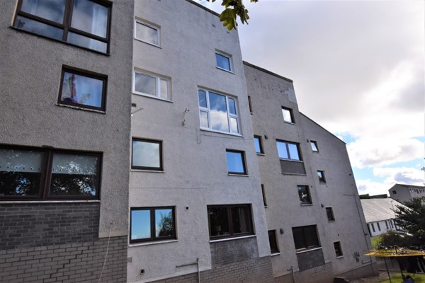 25 Bell Place Forfar